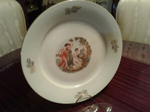 Large round display or serving plate Victorian style, with free