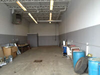 1350 sq ft Shop in great Kelly lake location