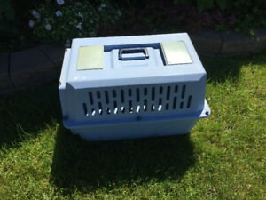 ET SMART TRAVELING CAGE FOR DOG/CAT/RABBIT