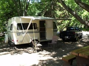 1987 BIGFOOT 17ft TRAVEL TRAILER