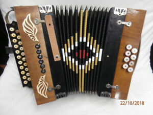 Hohner 8 bass button accordion C/F 1880-1890 wood brown black