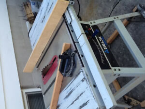 10 inch delta table saw. Good condition