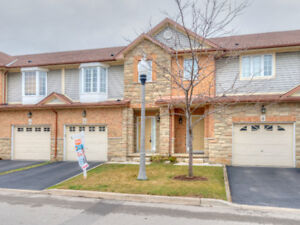 Immaculate Condo Townhome back to Ravine, Ancaster