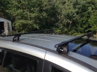 Thule SquareBar Roof Rack w/ Locks
