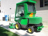 John Deere 1435 tractor