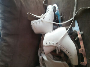 cam kids size 12 fig skates