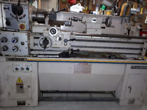 Metal Lathe with taper attachment