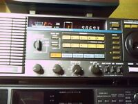 TRIO/KENWOOD R2000 HF RECIEVER
