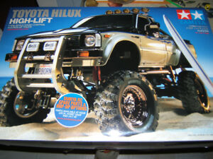 TAMIYA  TOYOTA HILUX  HIGH- LIFT  MFC-02  RC