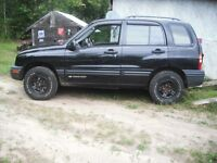 2000 Chevrolet Tracker 4 door Wagon