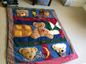 embossed teddy quilt Winnie the Pooh & other blankets Kingston Kingston Area image 1