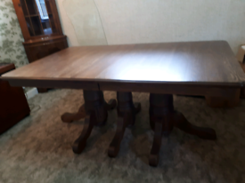 Amish extendable Dining Table, as new, excellent quality
