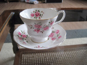 Royal Albert Tea Cup/ Saucer Sets (Page 1) Kitchener / Waterloo Kitchener Area image 1