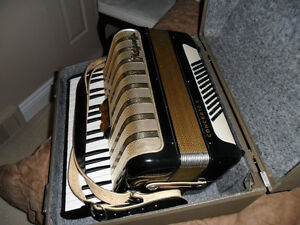 Hohner Concerto 11 Accordian