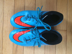 Nike Soccer cleats size 4 youth