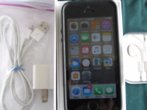 iPhone 5S, excellent condition, woman driven ;) case included,