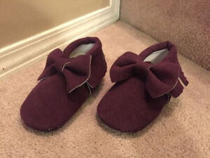 new purple moccasin boosties 18-24 months