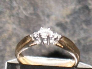 ENGAGEMENT RING REDUCE TO SELL