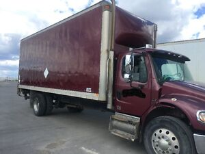 Freightliner M2 business class straight truck - 2008