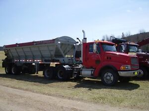 HEAVY SPEC.TRACTOR WITH LIVE BOTTOM TRAILER