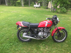 Two 1982 Yamaha XJ550 Seca