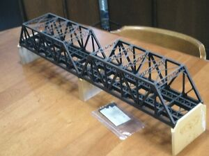 HO scale bridge for electric model trains