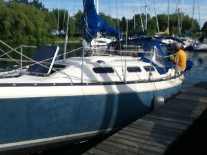 CS 27 - safe comfy sailboat