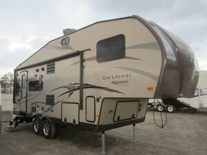 2014 Rockwood Signature Series Ultra Lite 8244WS 5TH Wheel