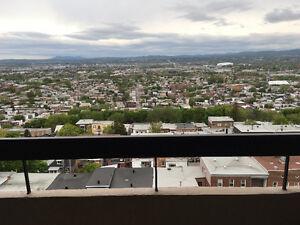 Magnifique 3 1/2 vue panoramique Aout / Sept / Octobre ou plus