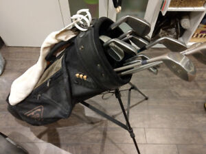 Ladies Mizuno Titanium golf clubs, Drivers and Bag