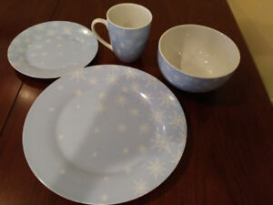 Christmas dishes, snowflake pattern.