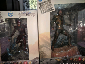 Diamond select Flash and Aquaman statue ( JL movie ver) --- BNIB