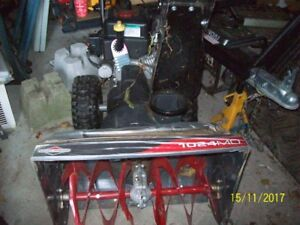"Snowblower 208cc Briggs and Stratton 24"" ON HOLD PENDING PICK UP"