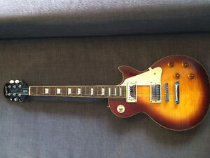 Epiphone LesPaul Standard with hard case and strap