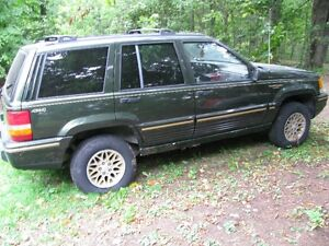 PARTING OUT 1995 Jeep Grand Cherokee Ltd edition 4X4 wagon