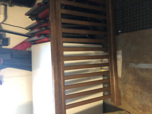 Crib ready to go in good condition, very good price, Lake Echo