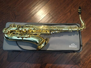 Tenor Saxophone Great Condition, will deal if contacred