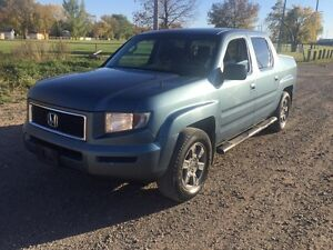 2008 Honda Ridgeline clean title 4 X 4 only $8000