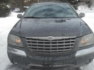 2004 Chrysler Pacifica prope VUS
