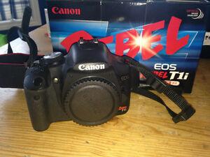 Réflex numérique Canon T1i