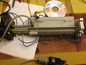 Allen Bradley Micrologix 1000 PLC with Programming software/Cbl
