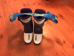 Alpina MS 650 Women's Ski Boots with Carry Strap For Sale