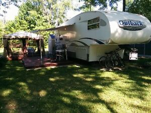 FIFTH WHEEL OUTBACK 28 ' 2005