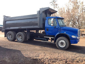 2004 FREIGHTLINER Dump Truck $36500.00