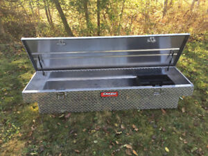 Red label DeeZee crossover Truck Toolbox