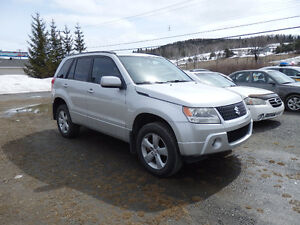 2009 Suzuki Grand Vitara JLX - liftkit 2""