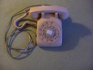 Working Retro Dial Telephone