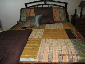 Two Bedspreads Two Pillow Shams