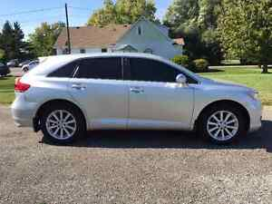 2011 Toyota Venza Crossover - One Owner - Only 90299km!! Kitchener / Waterloo Kitchener Area image 4