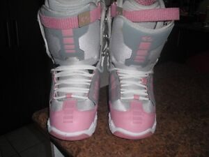 Womens 32 Lashed Snowboard Boots